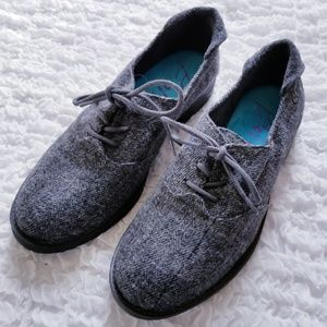 NWOT Blowfish Lace Up Wool Shoes B116 Size 8